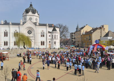 Helló Tavasz! Tavaszköszöntõ Hídfutás - Tiszaparti Trapp-Parti